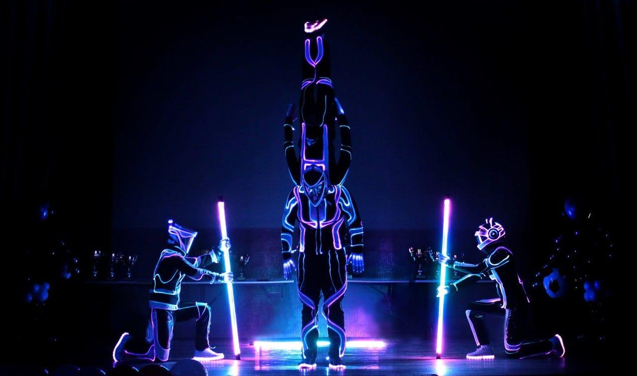 Световое акробатическое шоу