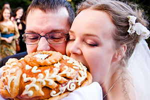 Свадебные традиции: какие бывают и что означают