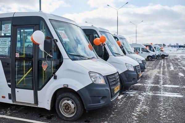 Торжественное открытие остановки общественного транспорта у гипермаркетов Глобус, Леруа и Декатлон
